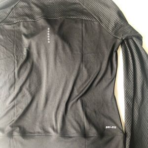 Nike Tops - Nike dry fit hooded active top